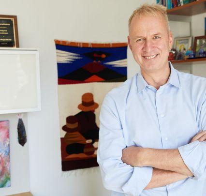 Dr. Stefan Worgall